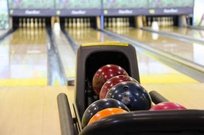 gallery/bowling-237905_640